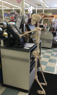cashier - Cashier Humor - Cashier Humor meme - - cashier The post cashier appeared first on Gag Dad. Skeleton Pics, Funny Skeleton, Spooky Memes, Spooky Scary, Halloween Wallpaper, Halloween Backgrounds, Stupid Memes, Funny Memes, Reaction Pictures