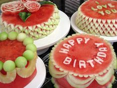 More paleo birthday cake ideas. Mainly using fruit like water melons or pineapples and decorating with fruit. Watermelon Carving, Watermelon Cakes, Carved Watermelon, Paleo Birthday Cake, Free Birthday, Birthday Cakes, Cold Cake, Fruit And Vegetable Carving, Food Carving