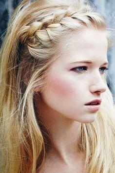 Von romantisch bis rockig: Tolle Flechtfrisuren für lange Haare                                                                                                                                                                                 Mehr