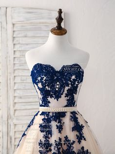 Elegant sweetheart tulle lace applique blue long prom dresses