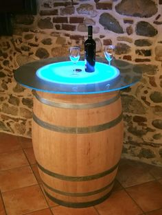 Creative Ideas That You Can Make Using Old Wine Barrels 47 Creative Ideas That You Can Make Using Old Wine Barrels Creative Ideas That You Can Make Using Old Wine Barrels Decoration Wine Barrel Table, Wine Barrel Furniture, Wine Barrels, Wine Table, Glass Table, Tonneau Bar, Barrel Projects, Wine Cellar, Canning