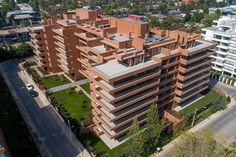 Los castaños II Servicio: Ingeniería Estructural  Proyecto residencial que cuenta con un área total: 12.055 m2 y esta ubicado en Santiago, Chile Bim Model, Santiago Chile, Art And Technology, Multi Story Building, Projects