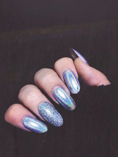 Technically this is a glitter polish, but I'm completely and hopelessly in love with the metallic sheen! ❤
