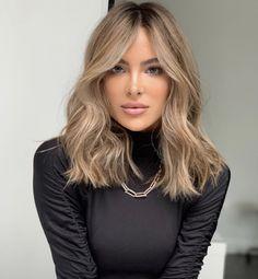 Brown Hair Balayage, Brown Blonde Hair, Medium Blonde Hair Color, Hair Highlights, Blonde Bolyage, Blondish Brown Hair, Balyage Short Hair, Beige Blonde Hair Color, Light Brunette Hair