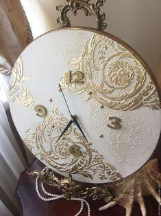 Unique wall clocks for your living and dining room 34 Clock Painting, Clock Art, Sculpture Painting, Diy Clock, Clock Decor, Hanging Clock, Decoupage Art, Decoupage Vintage, Diy Resin Art