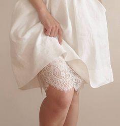 Unterrock mit Spitzen für das Trachten-Outfit auf der Wiesn, lace slip for dirndl dress on oktoberfest by collectionwndesign via DaWanda.com