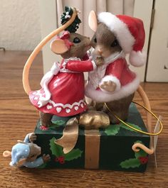 Hamilton Collection Charming Tails Merry Kiss mas of Christmas Cheer Collection | eBay