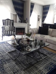 Information You Need to Know for Living Room Decoration Oturma Odası – home accessories Living Room Carpet, Living Room Decor, Living Spaces, Table Centers, Center Table, Mirrored Coffee Tables, Mirrored Furniture, Modern Luxury, Luxury Homes