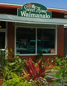 The Food – Sweet Home Waimanalo Market Cafe - locally sourced, killa grinds, featured on Triple D!  Must try