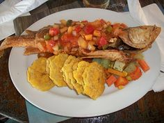 White Sea Bass; plentiful and inexpensive make it the most popular fish in Panama. Corvina frita con salsa, ensalada y patacones