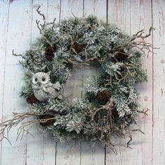 Christmas Wreath  Winter Wreath  Owl Wreath   by Designawreath