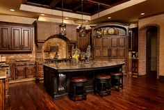 9 Simplest Ways to Build Rustic Tuscan Kitchen Design The abundant, warm colors as well as structures of Tuscany, Italy's farming area, are one of one of the most popular versions of the Home Country home design. Tuscan Kitchen Design, Tuscan Design, Tuscan Style, Rustic Kitchen, Kitchen Decor, Kitchen Designs, Kitchen Ideas, Kitchen Layout, Old World Kitchens