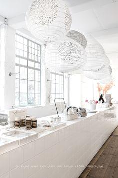 Retail Interior, Kitchen Interior, Minimalist Architecture, Industrial Living, Interior Decorating, Interior Design, Home Fashion, Retail Design, Home And Living