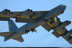 This has been a great aircraft bomber for the Us air force The Boeing Stratofortress is a long-range, subsonic, jet-powered strategic bomber. B52 Bomber, Bomber Plane, Jet Plane, Military Jets, Military Aircraft, Military Weapons, B 52 Stratofortress, Boeing Aircraft, Aircraft Pictures
