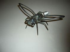 scrap metal art, Bee, metal bee, bee sculpture, hornet, metal hornet, CREATIONSWELDED.COM