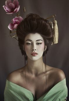 Melissa Rodwell Sits Down to Chat with Fashion Photographer, Amanda Diaz! Photography Women, Portrait Photography, Fashion Photography, Geisha Tattoo Design, Amanda Diaz, Photographie Portrait Inspiration, Japon Tokyo, Geisha Art, Bridal Makeup Looks