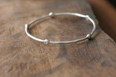 Diamond and Silver Bracelet / Bangle / par SaaraReidsema sur Etsy, $370,00