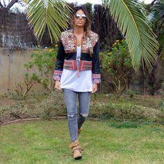 "Ponemos un poco de color a esta semana ""gris"". 🎨. Mas detalles en el blog!! #jacket #chaqueta #post #picoftheday #outfit #look #love #leather #loquemoladelola #blog #bloggers #blogerstyle #smile #swag #style #stylish #shooting #fashion #fashionblog #itgirl #instalike #hippiechic #moda #chic #colorful #nice #trend #trival #ethnic"