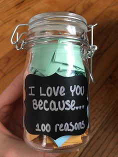 Reasons why I love you jar 100 reasons or more why you love your significant other. Only three materials needed. Any jar, paper cut into strips and a sharpie or paint to decorate the front of jar. Fold each paper with a reason and put into the jar. Creative Gifts For Boyfriend, Birthday Gifts For Boyfriend Diy, Cute Boyfriend Gifts, Bf Gifts, Cute Birthday Gift, Presents For Boyfriend, Valentines Gifts For Boyfriend, Boyfriend Anniversary Gifts, Kids Valentines