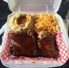 Sticky Gator BBQ & Soul Food Co. www.stickygatorbbq.com Sacramento, CA CLICK HERE for more black-owned businesses!