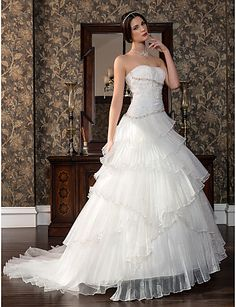 A-line Sweetheart Sweep/Brush Train Satin And Tulle Wedding Dress