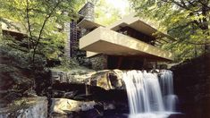 Frank Lloyd Wright, Edgar Kaufmann House-Fallingwater, Organic architecture - Frank believed in make works of art part of the surrounding environments which he had accomplish many time over and this is just one of his many works. Architecture Cool, Organic Architecture, Contemporary Architecture, Pavilion Architecture, Contemporary Homes, Residential Architecture, Landscape Architecture, Modern Art, Casa Kaufmann