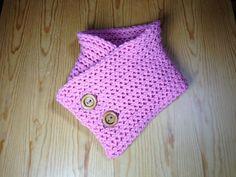 Tutorial cuello bufanda de punto con botones grandes de madera tejido en telar rectangular