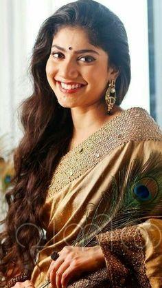 South Indian Actress Hot, Indian Actress Hot Pics, Actress Pics, Indian Actresses, Indian Long Hair Braid, Braids For Long Hair, Beautiful Saree, Beautiful One, India Beauty