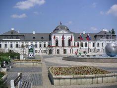 Bratislava-grassalkovičov palác - Grasalkovičov palác – Wikipédia