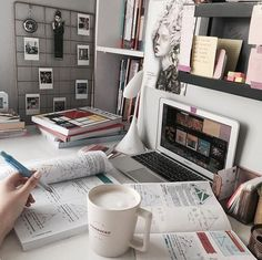 Work station and study area and student life Study Areas, Study Space, Study Desk, School Organization Notes, Study Organization, Tittle Ideas, Study Corner, Study Room Decor, Study Pictures