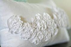 beautiful ruffled pillow tutorial. by brittney