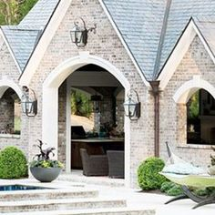 Looking for more information on Choosing Brick and Stone for your Exterior? Maria Killam has outlined steps on how to do Stone Exterior Houses, House Paint Exterior, Dream House Exterior, Exterior House Colors, Stone Houses, Exterior Design, Brick Exteriors, Ivar Hack, Light Brick