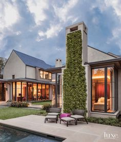 A Stunning Courtyard-Style Dallas Home | LuxeDaily - Design Insight from the Editors of Luxe Interiors + Design