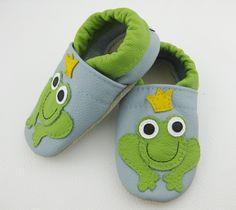 Krabbelpuschen, Frosch,Wunschgröße! von Nenekikki´s auf DaWanda.com