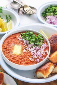 Pav Bhaji Recipe (Mumbai Street Food) - Cubes N Juliennes Mumbai Street Food, Thai Street Food, Indian Street Food, Indian Snacks, Indian Food Recipes, Vegetarian Recipes, Cooking Recipes, Ethnic Recipes, Pav Bhaji Recipe Video