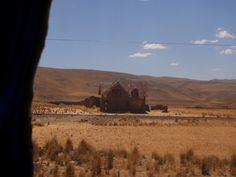 Perúvian house via @baptisteviry #roadtrip #adventure #landscape
