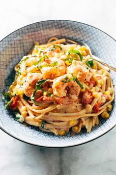 Creamy Shrimp Pasta, Garlicky Shrimp, Basil Pasta, Seafood Recipes, Pasta Recipes, Dinner Recipes, Cooking Recipes, Healthy Recipes, Vegetarian Recipes
