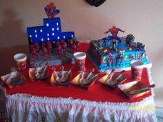 Facebook: GLOBOS Y MANUALIDADES (la del payasito fondo naranja. *Bombonera y Bombones decorados (Spiderman)*