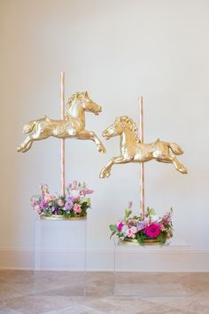 Throwing a spring Kentucky Derby Party where kids will be present? See the floral arrangements and horse party decorations from this Pink Carousel Birthday Party on Kara's Party Ideas for spring style inspiration. Carousel Birthday Parties, Carousel Party, Carnival Birthday, Circus Party, Unicorn Birthday Parties, Unicorn Party, Birthday Party Themes, Unicorn Baby Shower, Cowgirl Party