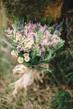 Wild flower bridal bouquet | Photography by http://www.paulaohara.com/