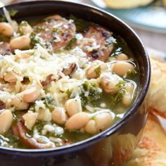 Easy White Bean, Kale & Sausage Soup | A Recipe Round up from The Best Blog Recipes #linkparty | thebestblogrecipe... #soups #recipes #sausage
