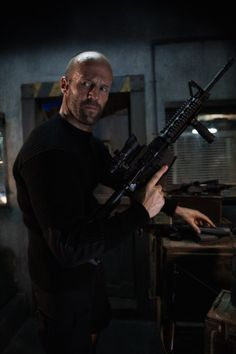 Jason Statham in Mechanic: Resurrection Mechanic Resurrection, Gta, Actrices Hollywood, The Expendables, Dwayne Johnson, Fast And Furious, Popular People, Famous People, Los Angeles
