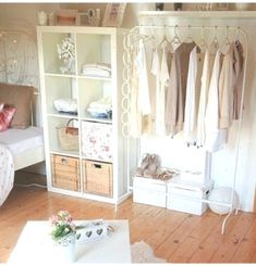 Marvelous Tiny Home Organization Design Ideas You Must Have - Page 3 of 37 Small Bedroom Organization, Home Organization, Ikea Mulig, Closet Designs, Bedroom Designs, Kid Beds, My Room, Home Remodeling, Bedroom Decor