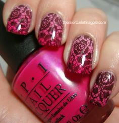 pink rose gradient of china glaze something sweet/opi japanese rose garden/opi that's berry daring stamped with pueen 27 plate
