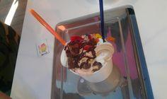 ¿ Puedes descifrar cuántos toppings hay en este frozen yogurt de #yooglers ?