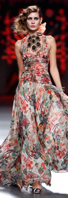 Francis Montesinos Primavera 2014 # MBFW Madrid @Jeanne Bright Beker  you must approve of this chic look!