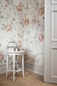 The wallpaper Rose Garden Mural - 8893 from Boråstapeter is a wallpaper with the dimensions x m. The wallpaper Rose Garden Mural - 8893 belongs to the p Wallpaper Online, Wallpaper Samples, Home Wallpaper, Pattern Wallpaper, Print Wallpaper, Swedish Wallpaper, Classic Wallpaper, Garden Mural, Open Fireplace