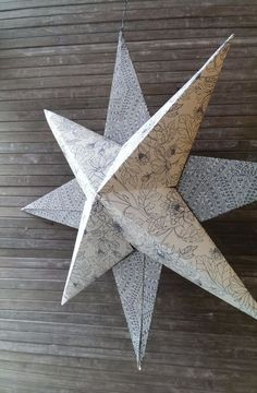 [DIY] Zauberhafter Deko Papierstern In this guide I will show you step by step how you can make great Christmas decorations / paper stars to hang as window decorations yourself. Paper Decorations, Christmas Decorations, 3d Christmas, Christmas Ornaments, Paper Stars, Yellow Roses, Different Shapes, Paper Crafts, Handmade