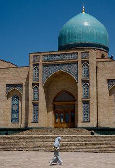 Telyashayakh Mosque (Khast Imam Mosque), Tashkent (Toshkent, Тошкент), Uzbekistan (O'zbekiston, Ўзбекистон) by Loïc BROHARD, via Flickr