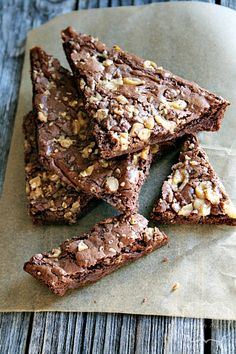 Dark Chocolate Toffee Brownie Brittle - Heather's French Press- The blog said, if you like brownie corners, these brownies are for you! @Lynn Badger